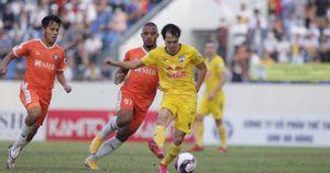 Kết quả V-League: Văn Toàn nã pháo tầm xa, HAGL tiếp tục thăng hoa