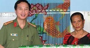 Công an tỉnh Trà Vinh trao nhà cho gia đình anh hùng lực lượng vũ trang