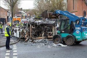 Anh, Cộng hòa Ireland kêu gọi các bên kiềm chế sau bạo loạn liên tiếp