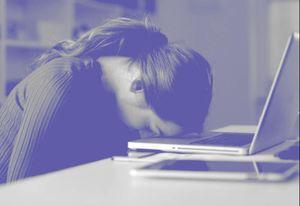 Tại sao giới trẻ than vãn về 'cột sống'