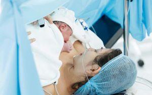 Con trai Chúng Huyền Thanh ra đời trước ngày dự sinh, vô cùng mũm mĩm đáng yêu
