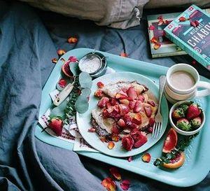 Ai không nên ăn sáng ngay sau khi thức dậy?