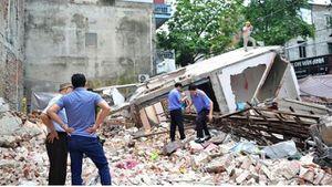 Lào Cai: Đào móng tầng hầm, làm đổ nhà 3 tầng liền kề
