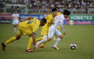 Chiến thắng Nam Định nghẹt thở, HAGL giữ vững ngôi đầu bảng