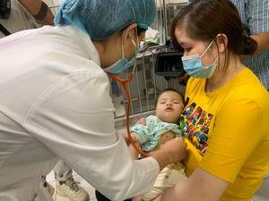 Số ca mắc tay chân miệng tại Bệnh viện Nhi Trung ương tăng 6 lần
