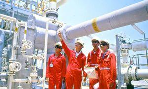 Fitch Ratings nâng triển vọng của PetroVietnam lên 'tích cực'