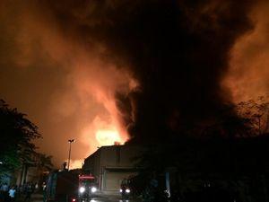 Điều tra vụ cháy nhà xưởng rộng 1000m2 ở huyện Mê Linh