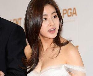 Kang Sora sinh con gái đầu lòng
