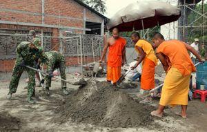 Chăm lo tết Chôl Chnăm Thmây cho đồng bào Khmer Nam bộ