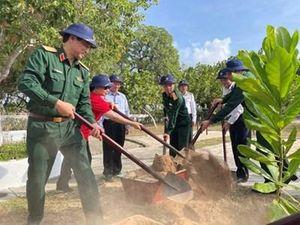 Đoàn Công tác Tổng cục Chính trị thăm, kiểm tra huyện đảo Trường Sa và nhà giàn DK1 năm 2021