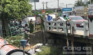 Điều tra vụ người đàn ông nằm chết dưới gầm cầu ở Sài Gòn