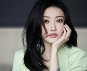 'Nữ thần sườn xám' Cảnh Điềm thành lập công ty, hứa hẹn tương lai vụt sáng