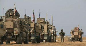 Đoàn xe Mỹ ùn ùn chở khí tài tới Syria