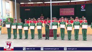 Bế giảng khóa đào tạo sĩ quan cấp phân đội trình độ đại học