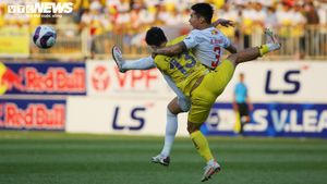 Tuyển Việt Nam 'chia đôi thi đấu', đại chiến HAGL vs Hà Nội FC căng như dây đàn