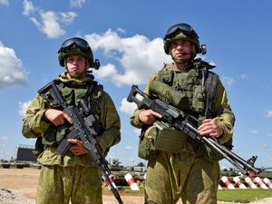EU cảnh báo 150.000 quân Nga tập trung xung quanh Ukraine