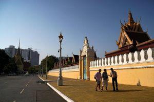 Ba quận ở thủ đô Campuchia trở thành 'vùng đỏ' vì Covid-19