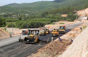 Thủ tướng: 'Nghiêm cấm trục lợi, nâng giá vật liệu xây dựng cao tốc Bắc - Nam'