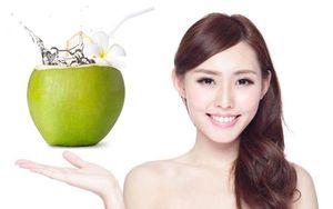 4 thời điểm 'vàng' nên uống nước dừa đẹp da, diệt bệnh tật