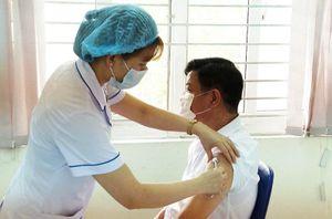Lào Cai thực hiện tiêm 8.000 liều vaccine phòng Covid-19