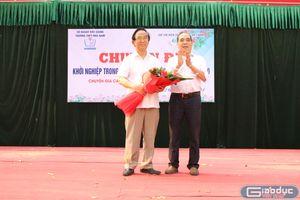 Học sinh hỏi Giáo sư Nguyễn Lân Dũng: Làm gì để không bị bỏ lại trong thời 4.0?