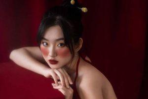 Nữ sinh theo học 2 trường đại học, là mẫu ảnh có tiếng ở Hà Nội