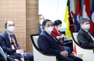 Thủ tướng kết thúc chuyến tham dự Hội nghị các nhà lãnh đạo ASEAN