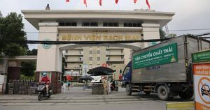Phó Giám đốc Bệnh viện Bạch Mai liên quan gì vụ 'thổi giá' thiết bị y tế?