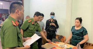 Hai 'quý bà' cầm đầu đường dây cho vay nặng lãi hàng tỉ đồng ở Quảng Bình