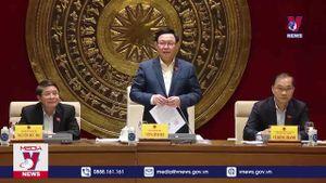 Chủ tịch Quốc hội làm việc với Ủy ban Kinh tế