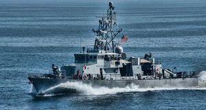 Tàu quân sự Mỹ-Iran đụng độ ở vùng Vịnh