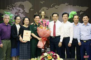 Lãnh đạo Hà Tĩnh chúc mừng Thiếu tướng Nguyễn Thế Hoàng