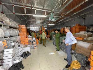 Công an vào cuộc xử vụ kho hàng 'đồ hiệu' khủng tại Nam Định