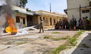 Nhân dân tham gia phòng cháy, chữa cháy