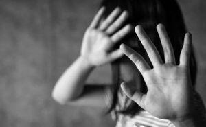Phẫn nộ bé gái khuyết tật bị dượng 'hờ' xâm hại nhiều lần