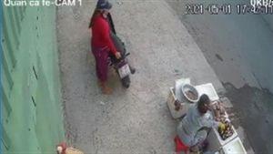 Phát hiện clip mình hành sự, trộm xin trả lại tiền