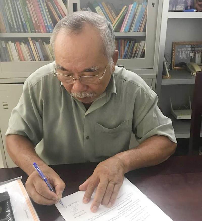 Kiện chủ tịch tỉnh ra tòa vì từ chối cung cấp thông tin
