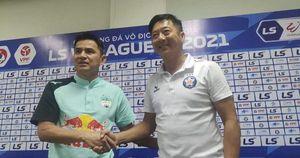HLV Lê Huỳnh Đức từ chức, lỡ hẹn đối đầu Kiatisak ở Cúp Quốc gia