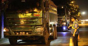 Tung chiêu giấu giấy tờ, tài xế xe quá tải có thoát phạt?