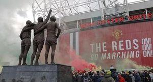 Để CĐV làm loạn, án phạt nào đang chờ đợi Man Utd