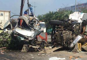 Tai nạn liên hoàn gần sân bay Nội Bài, một người chết