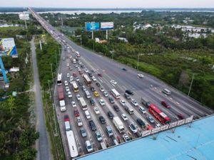 170 xe máy cố tình đi vào cao tốc TP Hồ Chí Minh - Long Thành - Dầu Giây