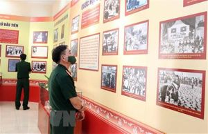 Triển lãm 'Quốc hội Việt Nam - Những chặng đường đổi mới và phát triển'