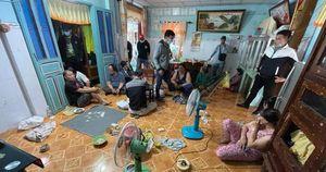 Bắt tạm giam nhiều 'quý bà' tổ chức đánh bạc ăn tiền tại Tiền Giang