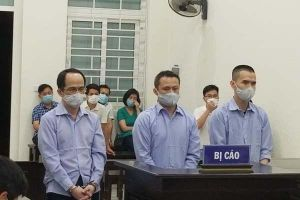 Làm giả đăng ký xe sang, thực hiện màn lừa tiền tỷ ở Hà Nội