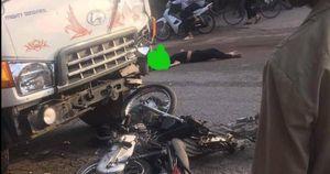Đấu đầu với xe tải, hai thanh niên đi xe máy tử vong tại chỗ