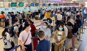 Gần 1,5 triệu hành khách đi lại bằng đường hàng không dịp nghỉ lễ 30-4 và 1-5