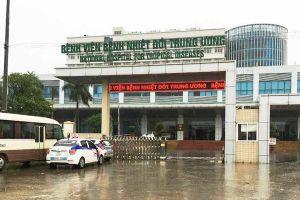 Bệnh viện Bệnh nhiệt đới Trung ương tạm ngừng khám bệnh sau khi phát hiện ca COVID-19