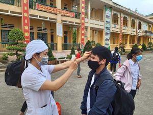 Lào Cai: 30.000 cán bộ, giáo viên và học sinh thực hiện khai báo y tế