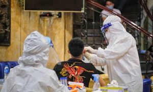 Bác sĩ dương tính với SARS-CoV-2 ở Hà Nội: Kết quả xét nghiệm 11 F1